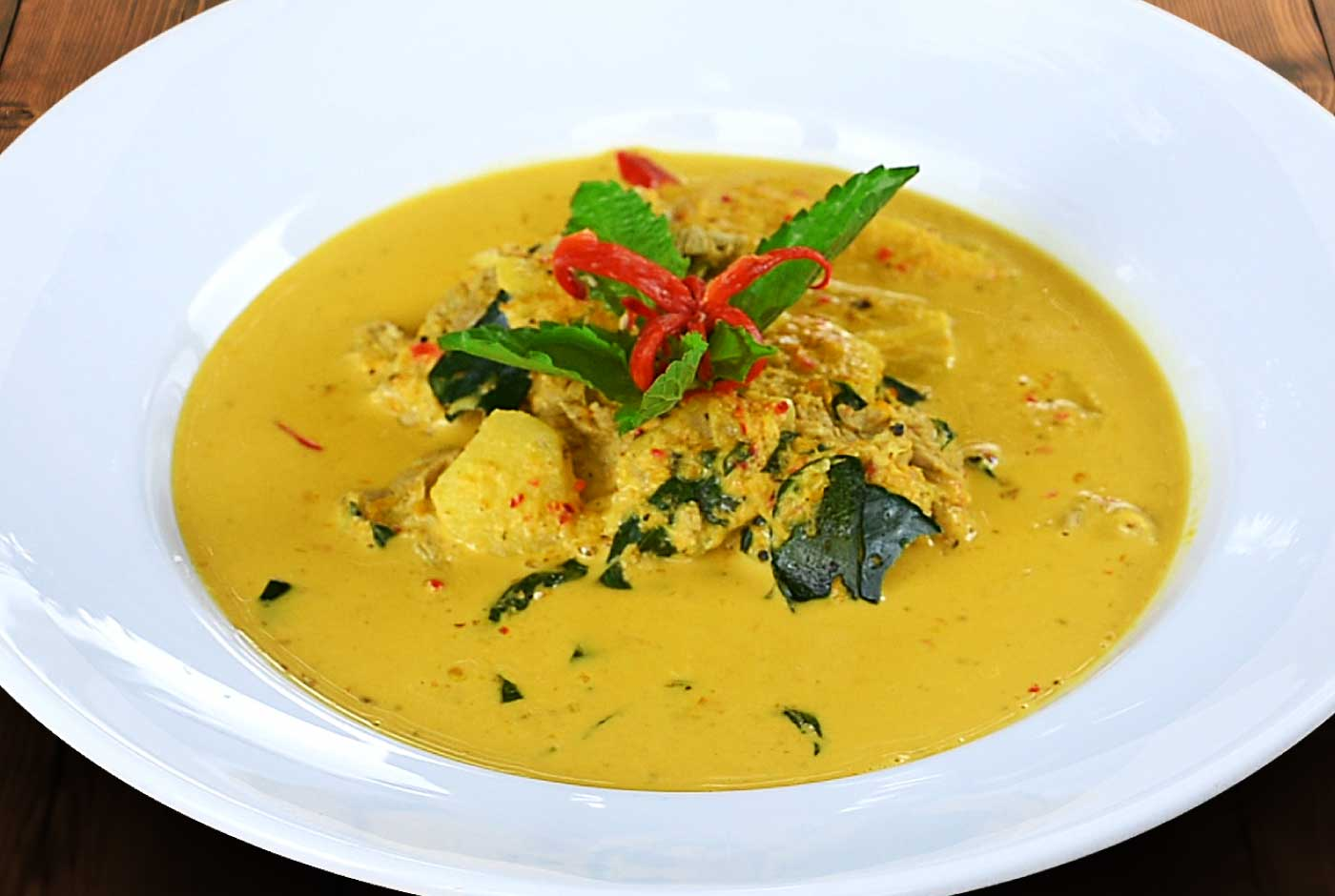 Red curry with pork and pineapple