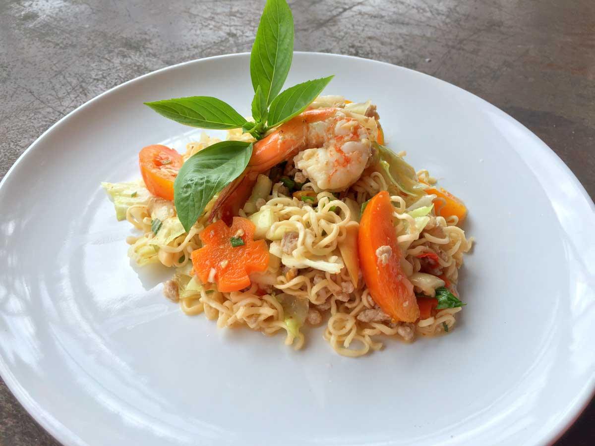MAMA noodle salad
