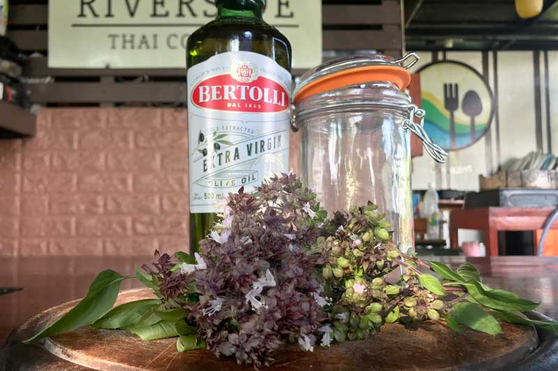 Thai holy basil olive oil ingredients
