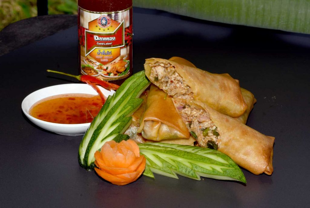 Laab flavoured spicy spring rolls