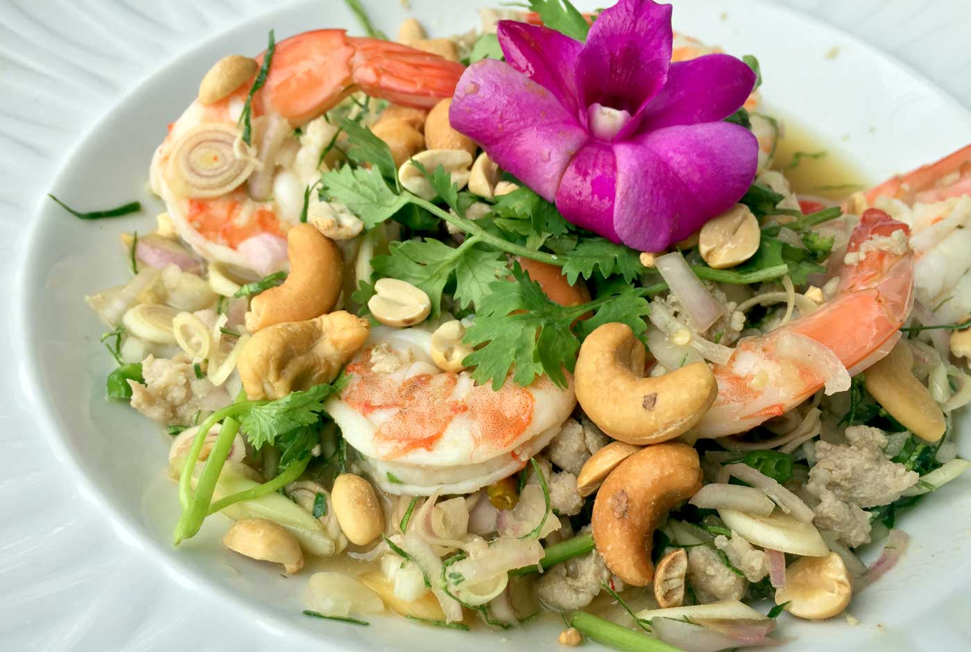 Lemongrass salad with shrimp