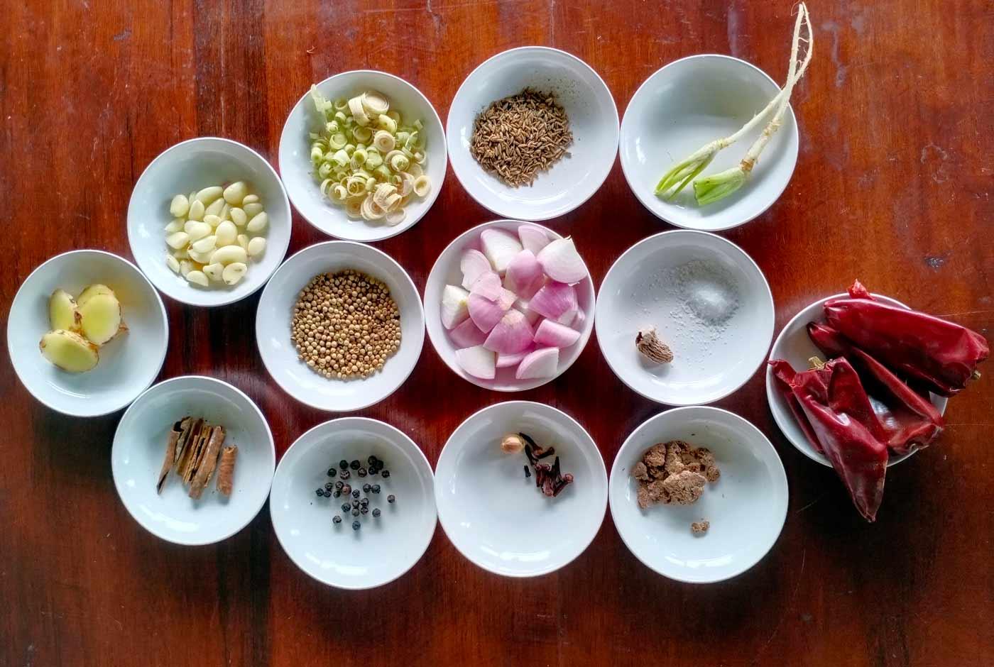 massaman curry paste ingredients