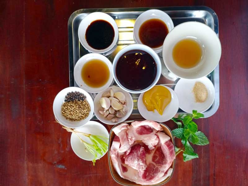 Spicy Grilled Pork Salad ingredients