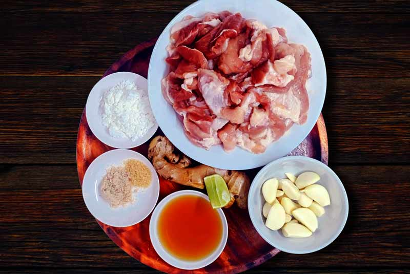 Fried pork with ginger ingredients