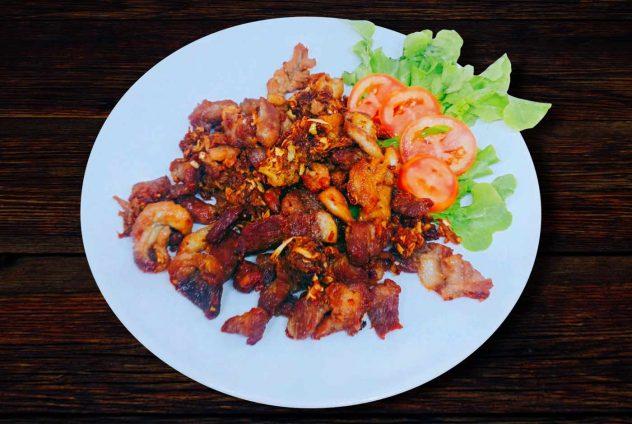 Fried pork neck with ginger
